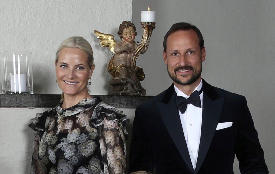 16. Januar 2016  Während der Feierlichkeiten zum 25. Thronjubiläum von König Harald gibt es viele Gelegenheiten für gemeinsame Fotos - mit und ohne royale Gäste. in Skaugum trifft man sich zum abendlichen Dinner.