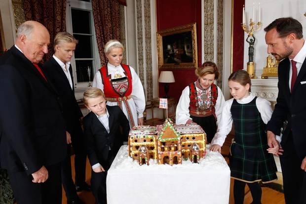 norwegens kronprinzenpaar f nf im gl ck s 73. Black Bedroom Furniture Sets. Home Design Ideas