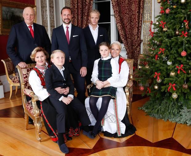 norwegens kronprinzenpaar f nf im gl ck s 76. Black Bedroom Furniture Sets. Home Design Ideas