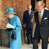 Auch die Queen und Prinz Philip verlassen die Chapel Royal.