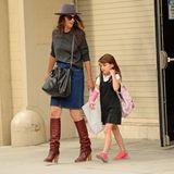 26. September 2013  Katie Holmes holt ihre Tochter Suri von der Schule in Chelsea ab.