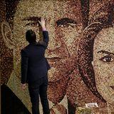 In Madrid kann man dieses tolle Portrait aus Weinkorken von König Felipe und Königin Letizia betrachten.