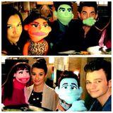 """Die """"Glee""""-Darsteller Naya Rivera, Adam Lambert, Lea Michele und Chris Colfer zeigen sich mit ihrer eigenen Muppet Version und sorgen so für Spekulationen um eine Glee-Muppet-Episode."""