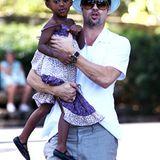 14. August 2008: Brad Pitt geht mit seiner kleinen Tochter Zahara und seiner Mutter ins Museum