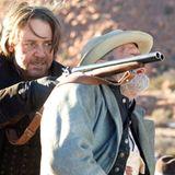 Ben Wade (Russell Crowe) überwältigt Byron McElroy (Peter Fonda)