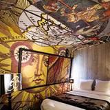 """Im Luxushotel """"Lebellechasse"""" wurden im Inneren sieben verschiedene Universen Christian Lacroix entworfen"""