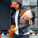 """27. Februar 2015: Süß: Ryan Gosling hat sich """"Esme"""", die ersten Buchstaben seiner Tochter Esmeralda, auf die Fingerknöchel geschrieben."""