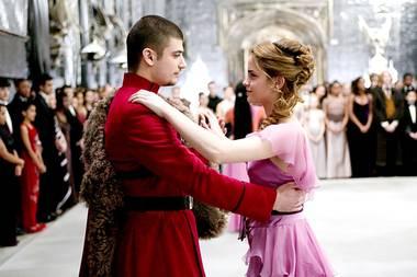 """So kennen wir Viktor Krum alias Stanislaw Janewski noch von damals: Als erfolgreicher Quidditch-Spieler und Verehrer von Hermine Granger (Emma Watson) war der junge Bulgare in """"Harry Potter und der Feuerkelch"""" zu sehen."""