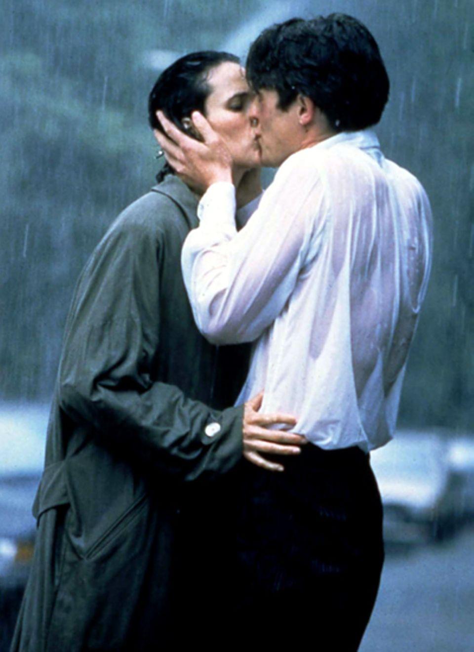 """Andie McDowell und Hugh Grant in """"Vier Hochzeite und ein Todesfall"""", 1994"""