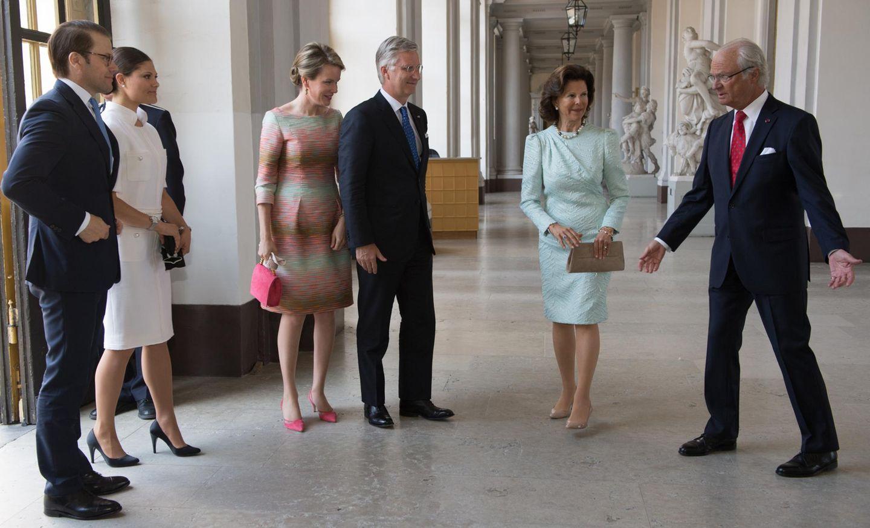 29. April 2014: Königin Mathilde und König Philippe sind zu Besuch in Schweden und treffen König Carl Gustaf, Königin Silvia, Kronprinzessin Victoria und Ehemann Daniel.