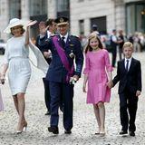 """21. Juli 2015  Das belgische Königspaar besucht mit seinen vier Kindern den Gottesdient """"Te Deum"""" in der Sainte-Gudule Kathedrale in Brüssel."""