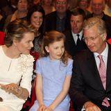 """25. April 2014: Prinzessin Elisabeth ist mit ihren Eltern im Weltkriegs-Musical """"14-18"""" in Mechelen."""