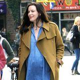 Liv Tyler erwartet in Kürze ihr drittes Kind. Ihr Älstester Sohn Milo ist schon so groß, dass er den kleinen Sailor durch New York schieben kann.