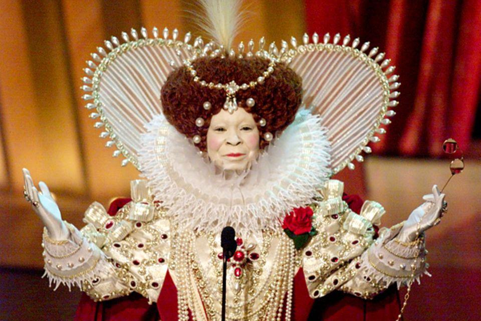 1999: Whoopi Goldberg gibt sich königlich.