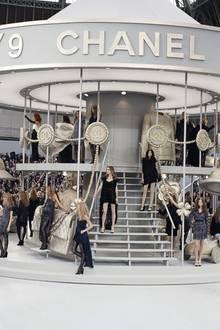 Chanel-Karussel auf dem Jahrmarkt der Eitelkeiten