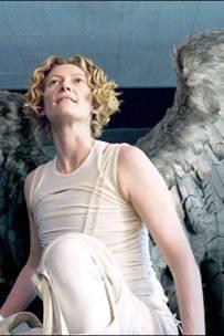 """2005: Tilda als Erzengel Gabriel in """"Constantine"""""""