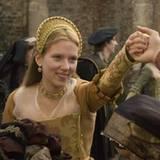 Mary Boleyn (Scarlett Johansson) kommt an den Hof Heinrich IIIV.