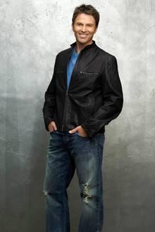 """Dr. Pete Wilder (Tim Daly) ist der Heilpraktiker im """"Oceanside Wellness Center"""" und frischt sein Leben gerne mit One-Night Stand"""