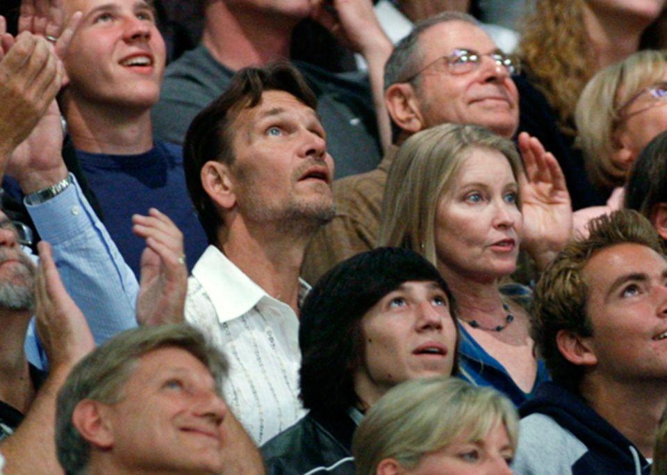 23. Mai 2008: Patrick Swayze und seine Frau Lisa Niemi haben bei einem Basketball-Spiel der L.A. Lakers viel Spaß