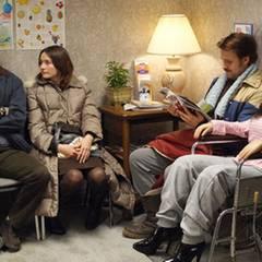 Arztbesuch: Lars ? Bruder Gus (Paul Schneider), Karin (Emily Mortimer) und Lars mit neuer Gummi-Freundin