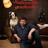 """Armin Rohde und sein Hund Ike finden """"Tiere sind keine Weihnachtsgeschenke""""."""