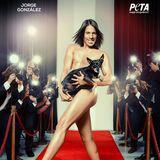 """""""Ich sage JA! zu Fashion, aber NEIN! zu Pelz"""" - Auf charmante Art setzt sich Jorge Gonzalez mit einem Anti-Pelz-Motiv für die Tierrechtsorganisation Peta ein."""