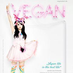 Jamie-Lee Kriewitz: Auf der PETA-Kampagne zeigt sich Jamie-Lee in typischer Manga-Mädchen-Klamotte.