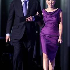 Lila Partnerlook beim Friedensnobelpreis: Scarlett Johansson in Oslo an der Seite von Kollege Michael Caine