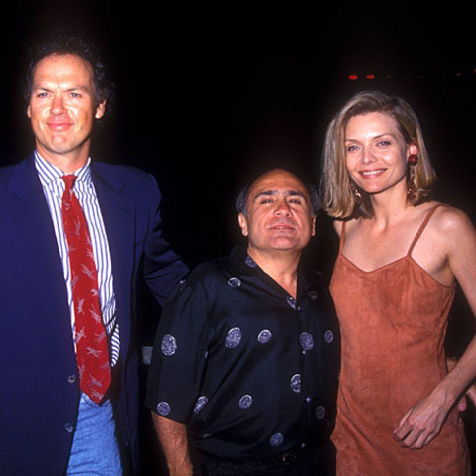 """16. Juni 1992: Mit ihren Filmpartnern Michael Keaton und Danny DeVito besuchte sie die Premiere von """"Batman Returns"""""""
