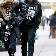 22. Dezember 2013: Lourdes ist mit ihrer Mutter Madonna lässig gekleidet in New York City unterwegs.