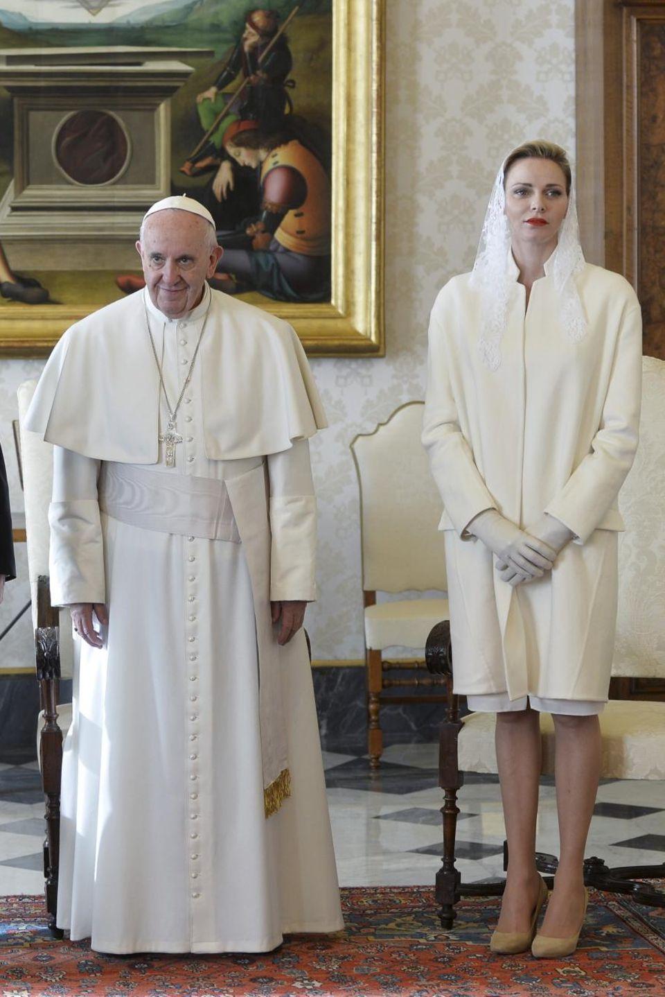 Januar 2016  Fürst Albert und Fürstin Charlène werden von Papst Franziskus in einer Privataudienz empfangen.