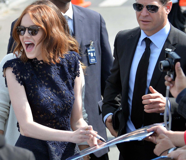Sonnenschein Emma Stone muss sich um ihre Fans keine Sorgen machen, bei so viel Enthusiasmus.