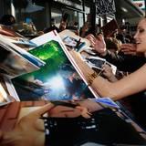 """Angelina Jolie wird auf der Premiere von """"Maleficent"""" in Hollywood von vielen Autogrammjägern und Fans erwartet."""