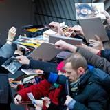 Auch Uma Thurman hat in Berlin alle Hände voll zu tun.