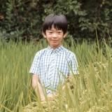 6. September 2016  Prinz Hisahito wird zehn Jahre alt! In einem Reisfeld posiert der einzige Sohn von Prinz Akishino und seiner Frau Kiko im August für seine Geburtstagsfotos.