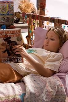 Nim (Abigail Breslin) ist ein großer Fan der Abenteuerbücherder Schriftstellerin Alex Rover