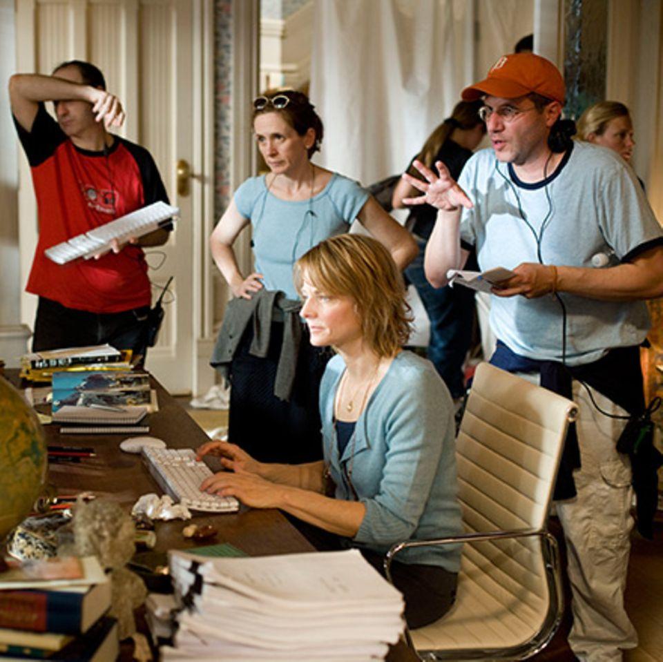 Jodie Foster am Set mit Regie-Duo Jennifer Flackett und Mark Levin