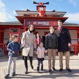 19. März 2016  Das war ein toller Tag bei schönsten Wetter: Marie, Joachim und die Kinder freuen sich über ihren Besuch im Legoland.