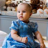 24. Januar 2013  Prinzessin Athena von Dänemark wird ein Jahr alt. Der dänische Hof veröffentlicht neue Fotos des jüngsten dänischen Nachkommens. Das Bild ist bereits am 18. Januar in Schloss Amalienborg in Kopenhagen entstanden.