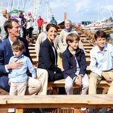 """17. August 2013  Prinz Joachim und Prinzessin Marie besichtigen mit ihren Jungs Prinz Henrik, Prinz Felix und Prinz Nikolai das Wikingerschiff """"Nydambaaden"""" in der Nydamer Werft in Sönderborg."""