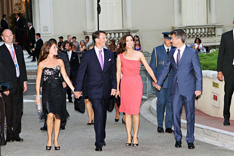 Dänisches Familientreffen: Prinzessin Marie, Prinz Joachim, Prinzessin Mary und Prinz Frederik sind sichtlich gut gelaunt auf de