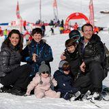 13. Feburuar 2013  Fürs Familienbild haben Prinzessin Marie und Prinz Joachim alle ihre Kinder im Schnee versammelt. Die ganze Famlie ist in Col de Bretaye im Winterurlaub.
