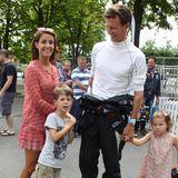 """2. August 2015  Prinzessin Marie begleitet ihren Mann Prinz Joachim mit den gemeinsamen Kindern Prinz Henrik und Prinzessin Athena zum """"Copenhagen Historic Grand Prix""""-Autorennen."""
