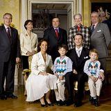 3. Oktober 2007: Das Großfamilien-Bild zur Verlobung: Marie Cavallier und Prinz Joachim mit seinen Söhnen Prinz Nikolai und Prin