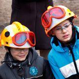 """9. März 2013  Prinzessin Marie besucht mit ihren Söhnen Felix und Nikolai die """"Danish Emergency Management Agency"""" in Haderslev, wo den Prinzen Katastrophenschutz demonstriert wird."""