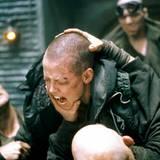 """Kampfesschreie von der kahlköpfigen Sigourney Weaver in """"Alien III""""."""