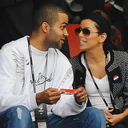 Tony Parker und Eva Longoria drückten Frankreich die Daumen. Geholfen hat es leider wenig und so flog die Équipe Tricolore schon