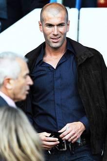 """Zinedine """"Ich mache einen Kopfstoß, bekomme Rot, fliege raus und Frankreich verliert gegen Italien"""" Zidane"""