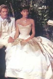 David und Victoria Beckham bei ihrer Hochzeit am 4. Juli 1999