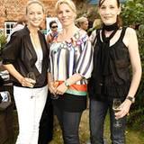 Claudia Scheil (M.), stellvetretende GALA-Anzeigenleiterin, mit Mirja Ernst (l., Sisley) und Katja Alt (ITF)